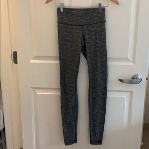 lululemon black heather leggings, size 4